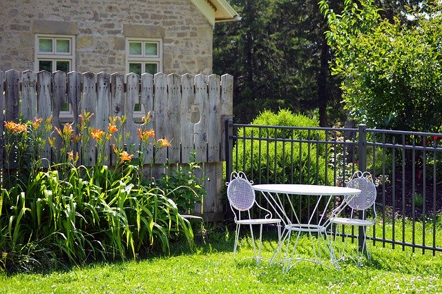 Tips for Moving With Garden and Outdoor Furniture - 2020